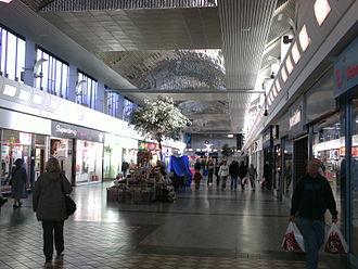 Arndale Centre - The Cross Gates Centre in Cross Gates, Leeds was an Arndale Centre until 2000.