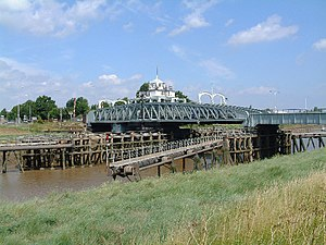 Sutton Bridge - Image: Cross Keys Bridge geograph.org.uk 28541