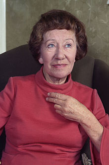 Description de l'image  Dame Flora Robson Allan Warren.jpg.