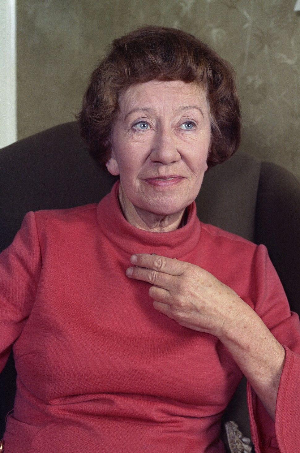Dame Flora Robson Allan Warren