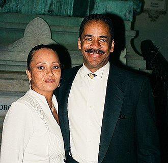 Daphne Maxwell Reid - Daphne and Tim Reid in 1997