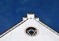 Davidstern im Giebelfenster eines jeverschen Hauses.jpg
