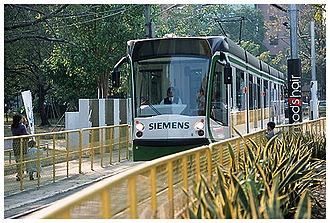 D-class Melbourne tram - A Melbourne D2-class tram on demonstration in Kaohsiung, Taiwan in January 2004