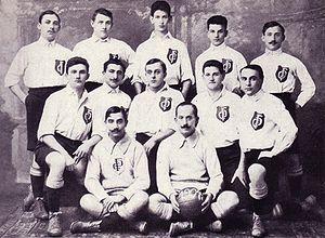 DFC Prag - DFC Prag in 1904: Fischer – Sedlaczek – Dr. Fischl – Meissner – Weil; Schwarz – Österreicher – Kurpiel – Dr. Frey – Robicek; Eisenstein – Pick