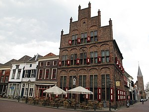 Doesburg - Image: Doesburg, monumentaal pand foto 10 2010 04 12 15.39