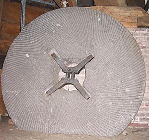 Millrind - Image: Doesburgermolen molensteen met viertaksrijn