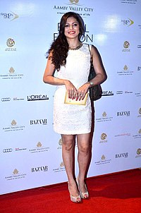 Drashti Dhami at AVBFW 2013 - Day 6.jpg