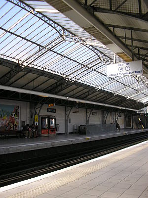 Dupleix (Paris Métro) - Image: Dupleix metro station