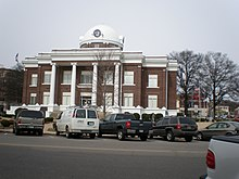 Dyer County Tennessee Courthouse.jpg