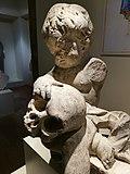 Dziecko i czaszka.jpg
