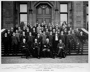 John Chiene - Prof Chiene (front centre) with staff and students of Edinburgh University Medical Faculty, 1903