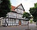 """Ehemalige """"Fleischschirne"""" von 1711, jetzt Stadthaus III (Rathaus) - Eschwege Ecke Marktstraße-Marktplatz - panoramio (1).jpg"""