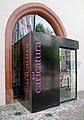 Eingang Caricatura Leinwandhaus.jpg