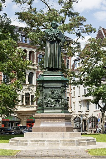 Luther Monument in Eisenach, Germany Eisenach Germany Lutherdenkmal-Eisenach-03.jpg