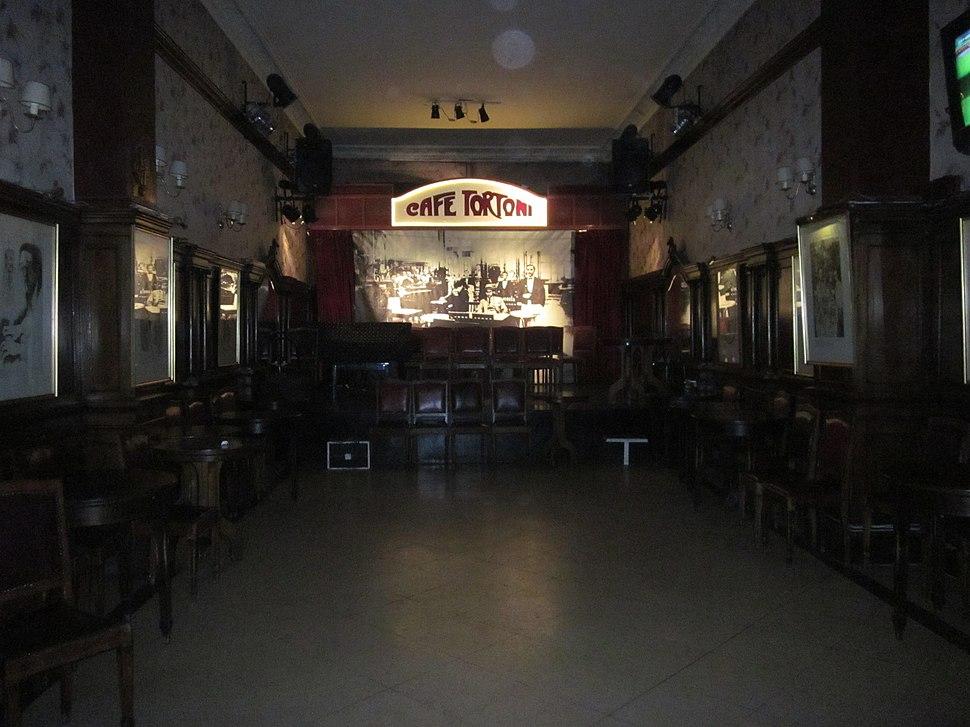 El tradicional Café Tortoni de Buenos Aires