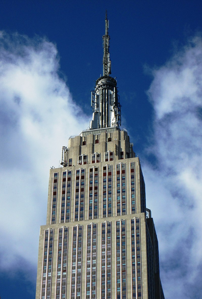 Empire State Building top from east on 34th Street.jpg