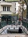 Entrée Station Métro Mirabeau Paris 3.jpg
