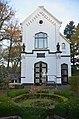Entrancebuilding of the Arnhem Jewish cemetry - panoramio.jpg