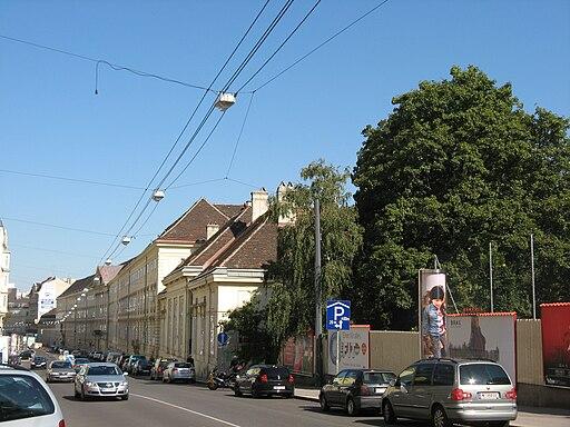 Favoritenstraße 16