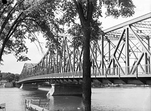 Lachapelle Bridge - Older bridge in 1948