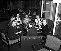 Feestavond meisjes HBS Bond VIVAT Rotterdam, Bestanddeelnr 904-3646.jpg