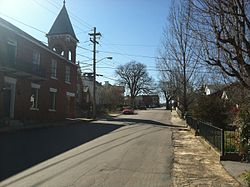 A view of East Main Street in Fincastle, Virginia
