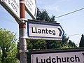 Fingerpost Sign to Llanteg, at Tavernspite - geograph.org.uk - 1059109.jpg