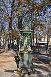 Fontaine Wallace aux Champs Elysees nord.jpg