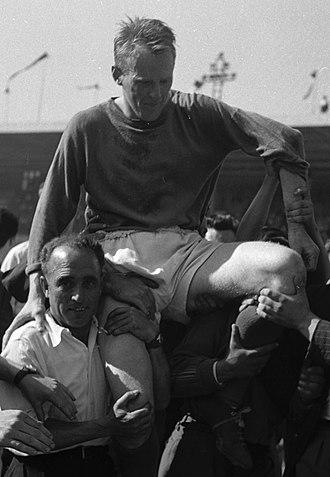 Bror Mellberg - Image: Foot. TFC (Toulouse Football Club Cercle Athlétique de Paris) (1953) 53Fi 6370 (Bror Mellberg)