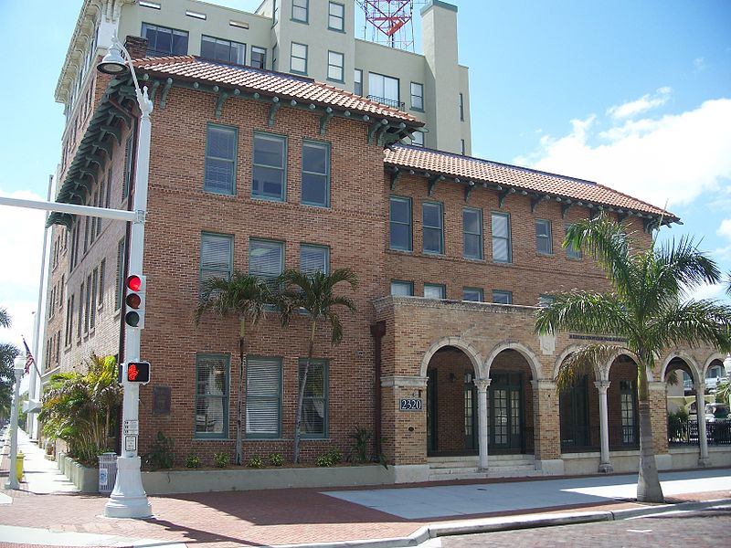 File:Fort Myers FL Downtown HD Franklin Arms01.jpg