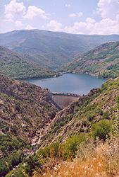 France Lozere Villefort Barrage.jpg
