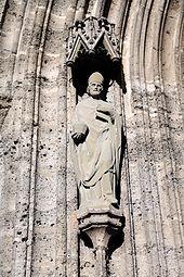 Franziskanerkirche Salzburg 2014 Portal.jpg