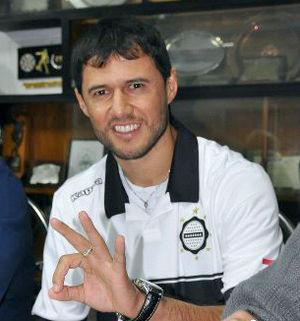 Fredy Bareiro - Image: Fredy bareiro en la camiste de olimpia