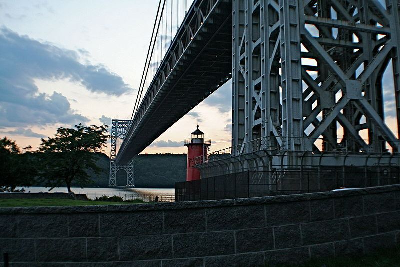 File:GWB Little Red Lighthouse.JPG