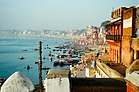 Ganges River bank, Varanasi.jpg