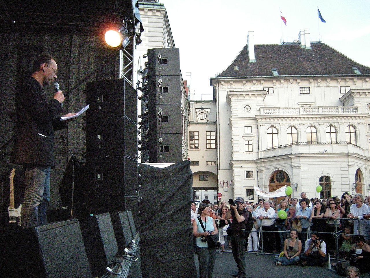 Genug ist Genug - Vienna 20090701 099 Robert Misik.jpg