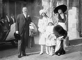 George Jay Gould I - Gould and his family at the wedding of his sister, Helen Miller Shepard in 1913