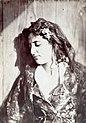 Gloeden, Wilhelm von (1856-1931) - n. 0004 - Giovane siciliana.jpg