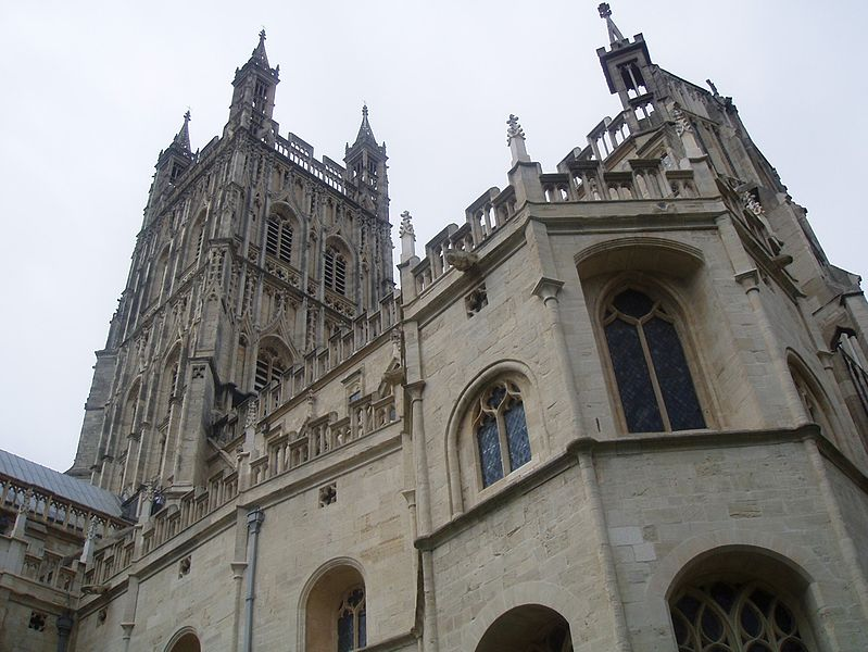 799px-Gloucester_cathedral.JPG