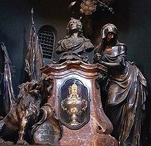 Herzurne Kaiser Karls VII. in der Gnadenkapelle von Altötting (Quelle: Wikimedia)