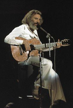 Grand gala du disque populaire 1974   georges moustaki 254 9467crop