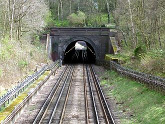 Grange Hill tube station - The tunnel between Grange Hill and Chigwell