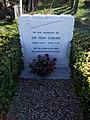 Grave of Sir Tom O'Brien - geograph.org.uk - 1121381.jpg