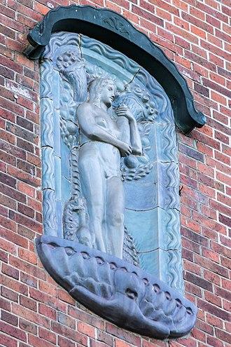 Kunststätte Bossard - Fortuna, ornamental figure by Bossard on the façade of the Hochschule für Bildende Künste at Hamburg-Uhlenhorst