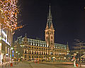 Hamburg-Rathaus-Nacht.jpg