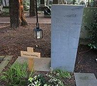 Hans Schilling -grave.jpg