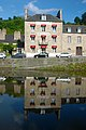 Hotel in Dinan Brittany - panoramio.jpg