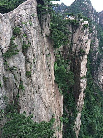 Huangshan - A steep cliff at Huangshan
