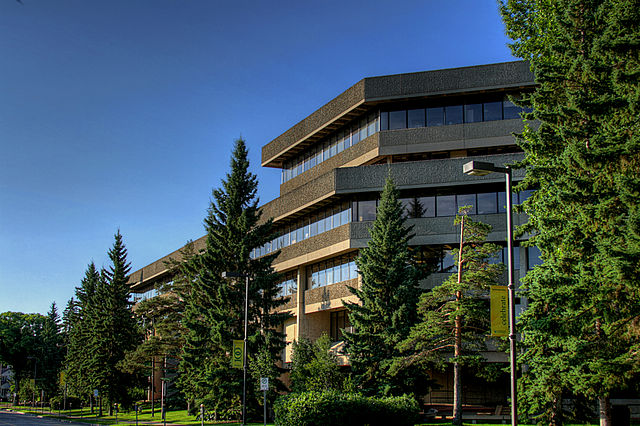 University of Alberta By WinterE229 (WinterforceMedia) (Own work) [CC0], via Wikimedia Commons