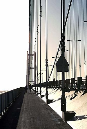 Humber Bridge - Image: Humber bridge walkway